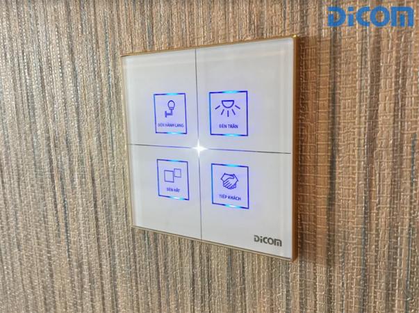 Hình ảnh công tắc đèn thông minh thiết kế đơn giản